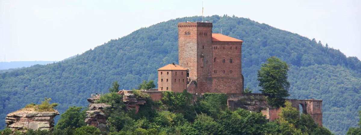 Burgen Schlösser in der Pfalz: Burg Trifels bei Annweiler